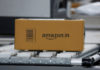 © Reuters. FILE PHOTO: A shipment moves on a conveyor belt at an Amazon Fulfillment Centre (BLR7) on the outskirts of Bengaluru