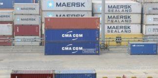 © Reuters.  China to raise export tax rebates amid trade war