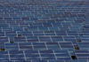 © Reuters. Solar panels to produce renewable energy are seen at the Urbasolar photovoltaic park in Gardanne
