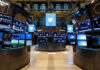 © Reuters. FILE PHOTO: FILE PHOTO: The floor of the NYSE stands ready for the Twitter Inc. IPO in New York