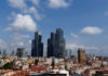 © Reuters. FILE PHOTO:  Newly built business buildings are seen in Sisli district in Istanbul