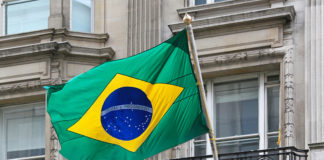Brazil Builders Resume Debt Talks as Graft Crisis Dogs Investors
