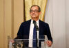 © Reuters. FILE PHOTO: Italian Economy Minister Giovanni Tria speaks at a joint news conference with European Economic Commissioner Pierre Moscovici in Rome