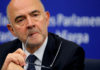 © Reuters. European Economic Commissioner Moscovici talks to journalists during a press biefing after a weekly college meeting of the European Commission in Strasbourg