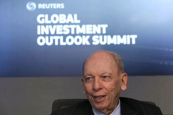 © Reuters. Byron Wien, Vice Chairman of Private Wealth Solutions group, speaks during the Reuters Global Investment 2019 Outlook Summit, in New York