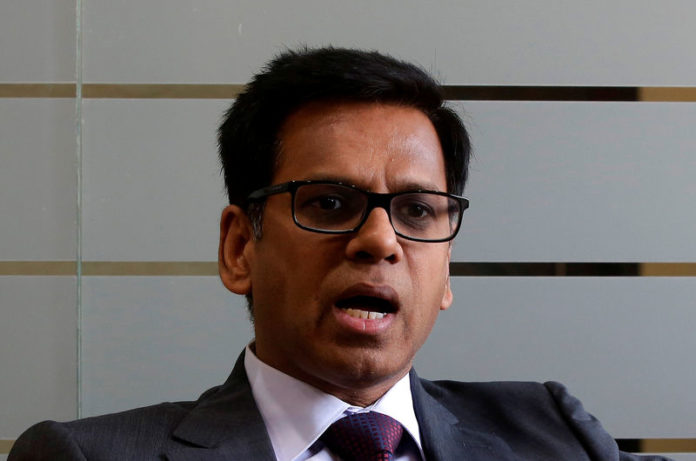 © Reuters. FILE PHOTO: Manish Kumar, Chief Investment Officer of ICICI Prudential Life Insurance, speaks during an interview with Reuters in Mumbai