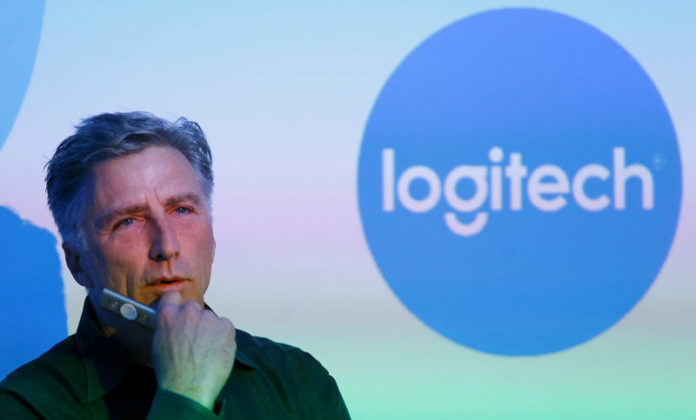 © Reuters. FILE PHOTO: Chief Executive Darrell of the computer peripherals maker Logitech addresses news conference in Zurich