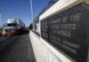 © Reuters. Trucks wait in the queue for border customs control to cross into U.S. at the Bridge of Americas in Ciudad Juarez