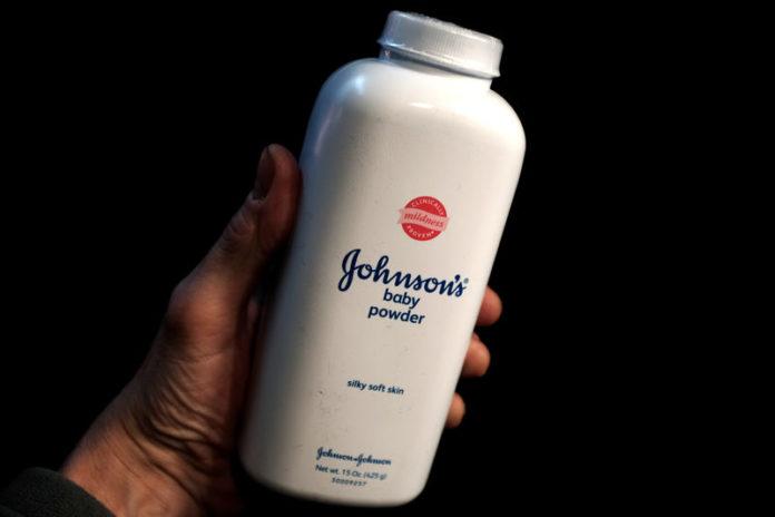 © Reuters. FILE PHOTO:  A bottle of Johnson