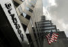 © Reuters. FILE PHOTO: A BlackRock Inc sign on its New York offices