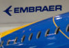 © Reuters. FILE PHOTO: The logo of Brazilian planemaker Embraer SA is seen at the company