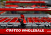 © Reuters. Shopping carts are seen at a Costco Wholesale store in Glenview