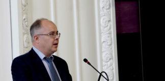 © Reuters. FILE PHOTO: Danske Bank whistleblower Wilkinson speaks at a public hearing in Copenhagen