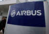 © Reuters. FILE PHOTO:  The logo of Airbus is pictured at the Airbus A330 final assembly line at Airbus headquarters in Colomiers