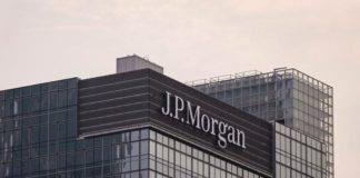 © Bloomberg. HONG KONG, HONG KONG - AUGUST 21: A view of the facade of U.S. investment bank JPMorgan Chase & Co