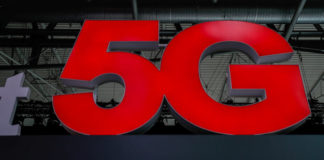© Reuters. FILE PHOTO: A 5G sign is seen during the Mobile World Congress in Barcelona