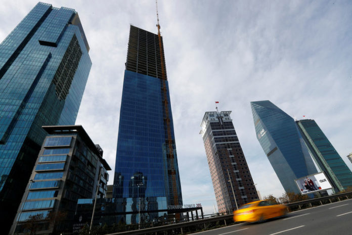 © Reuters. Skyscrapers are seen in the business and financial district of Levent, which comprises of leading Turkish banks