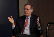 © Reuters. Peter Weinberg, head of advisory at Perella Weinberg Partners, speaks during a Reuters Breakingviews panel in New York