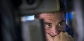 © Reuters.  Merck, Bristol-Myers profits rise on cancer drug sales