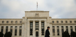 © Reuters.  The Fed's Mood Music Is Mellowing