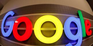 © Reuters. An illuminated Google logo is seen inside an office building in Zurich