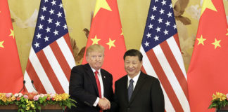 © Bloomberg. FILE: U.S. President Donald Trump, left, and Xi Jinping, China
